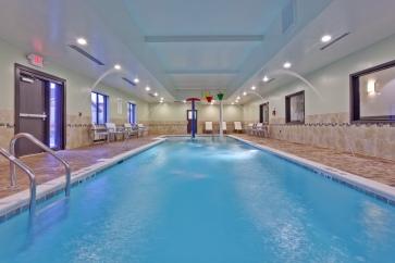 Indoor pool-HI